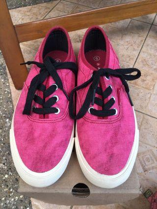 Sepatu Airwalk size EUR 37