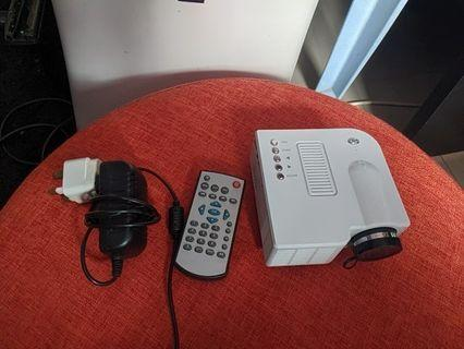 Mini projector uc28