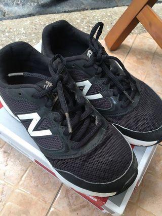 Sneaker anak laki2 New Balance EUR 35