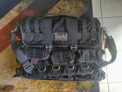 新竹面交 絕版 Oakley 軍規 公事包 側背包