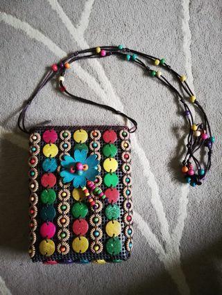 Manik sling bag