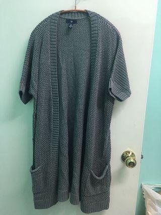 Gap 女簍空質感灰針織垂墜五分袖開衫
