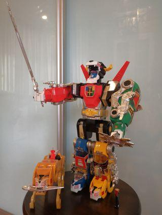 """Vintage Voltron Panosh Place 1984 Complete 14"""" with Accessories Manual extra Yellow lion"""