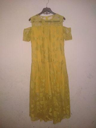 Brukat dress size L