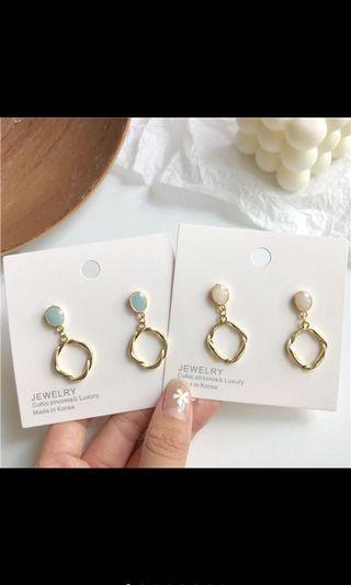 韓國🇰🇷蛋白石不規則造型耳環(白色已售出)
