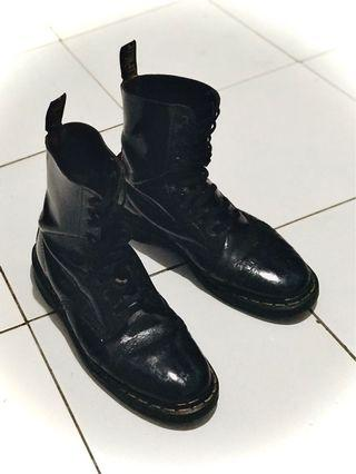Dr Martens Made In England ( MIE ) 10 hole
