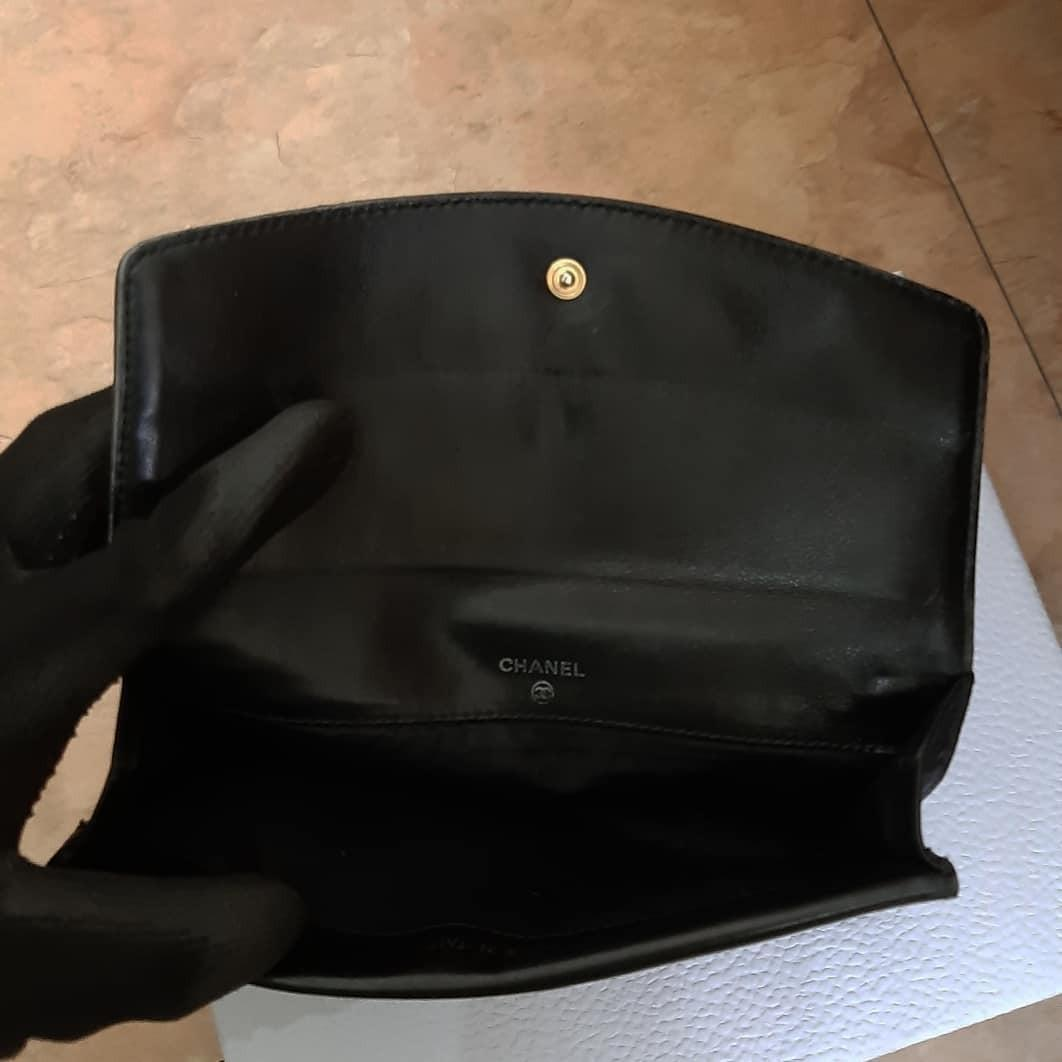 AUTHENTIC CHANEL BLACK CAVIAR LEATHER- LONG ORGANIZER POUCH / WALLET- CC LOGO DESIGN - LEATHER IN GOOD CONDITION, CLEAN INTERIOR- HOLOGRAM STICKER INTACT,  WITH AUTHENTICITY CARD - CLASSIC TIMELESS VINTAGE,  NO FUSSY BUYERS - WITH EXTRA ADD HOOKS & CHAIN