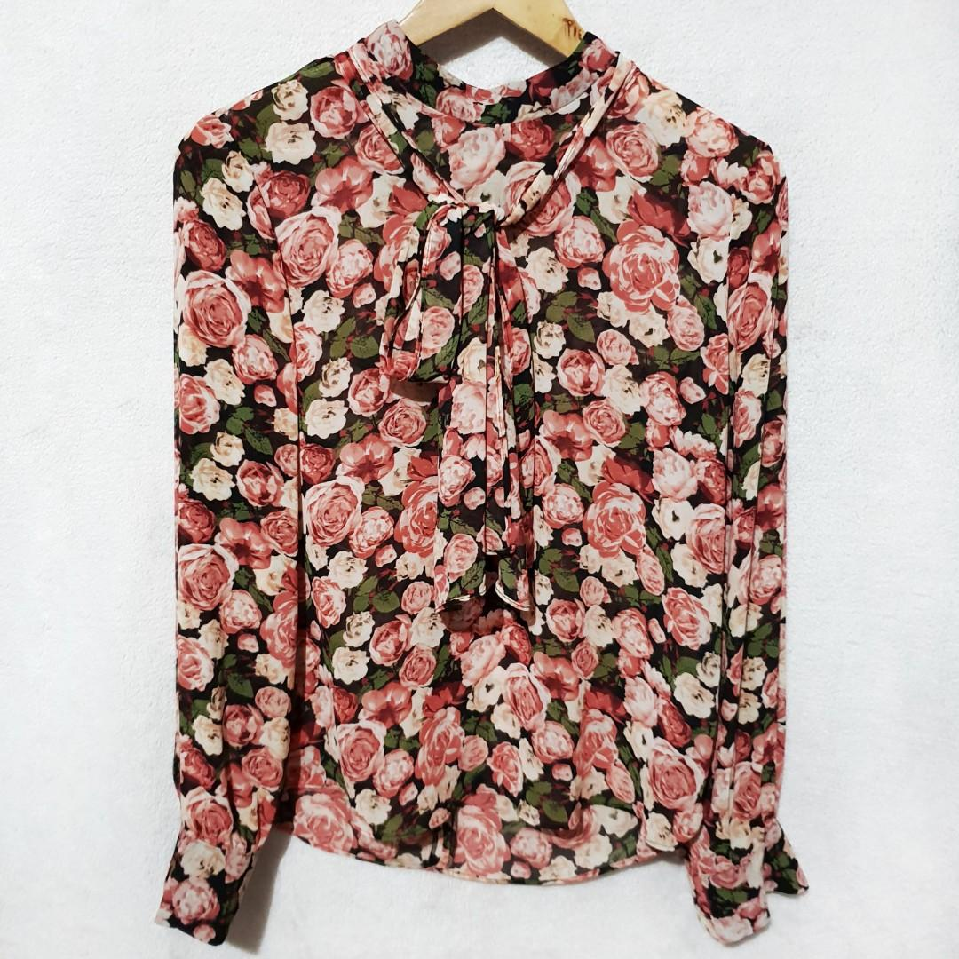 Forever 21 floral tie top