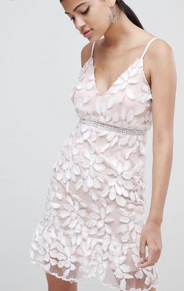 Gorgeous White/Nude Dress with Peplum Hem (Brand New With Tags)
