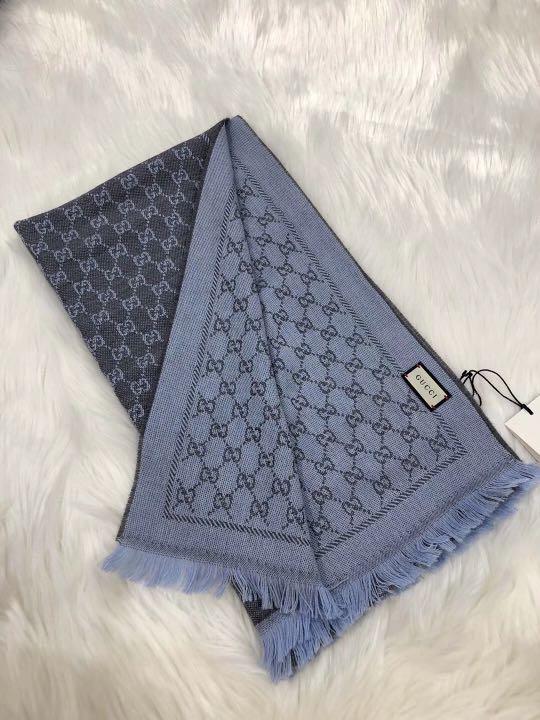 Gucci 灰藍色羊毛圍巾shawl scarf ! Size 48cM×180cm $1780