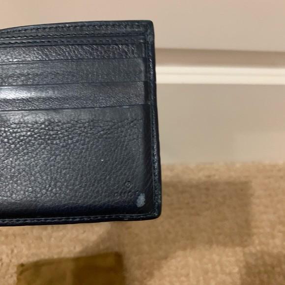 gucci wallet