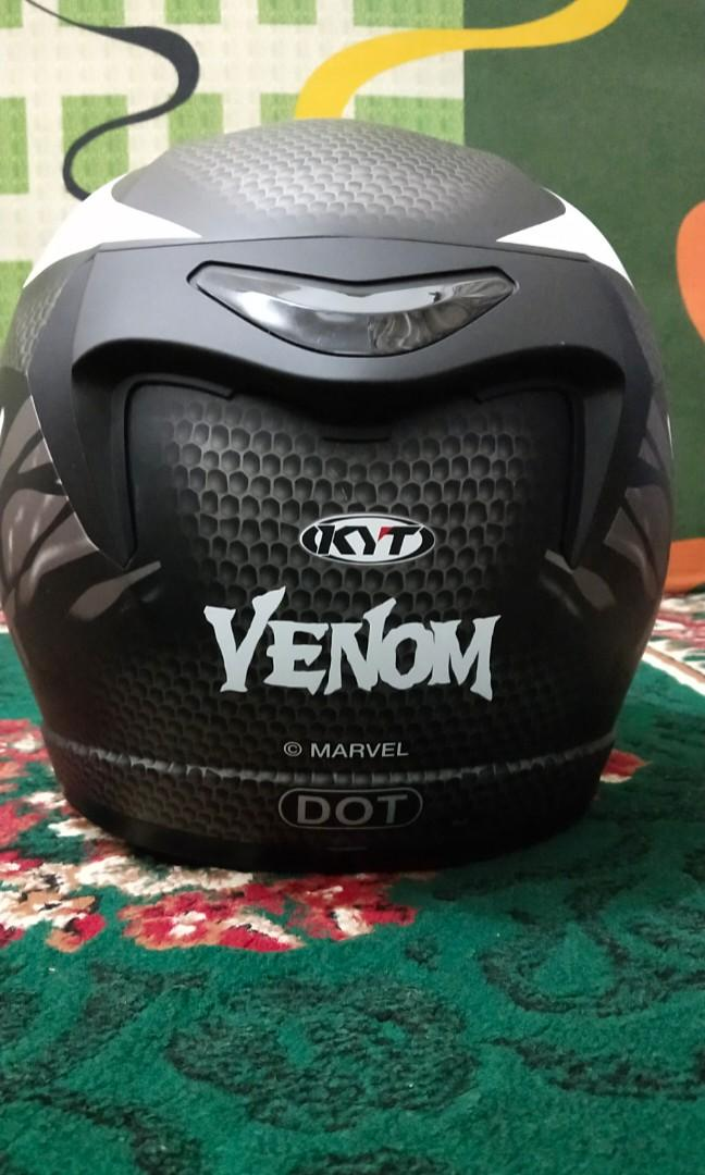 Helm KYT k2r Venom Marvel edition.