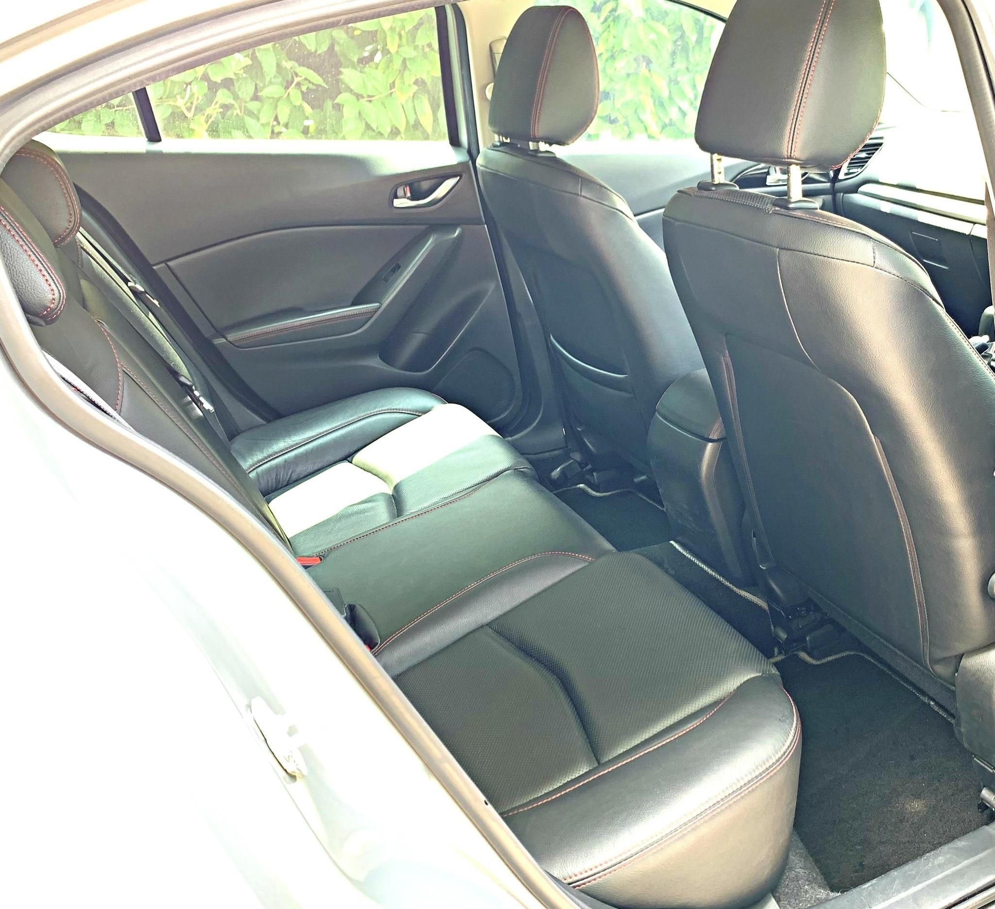 Mazda 3 1.5 Hatchback Standard 6AT Auto