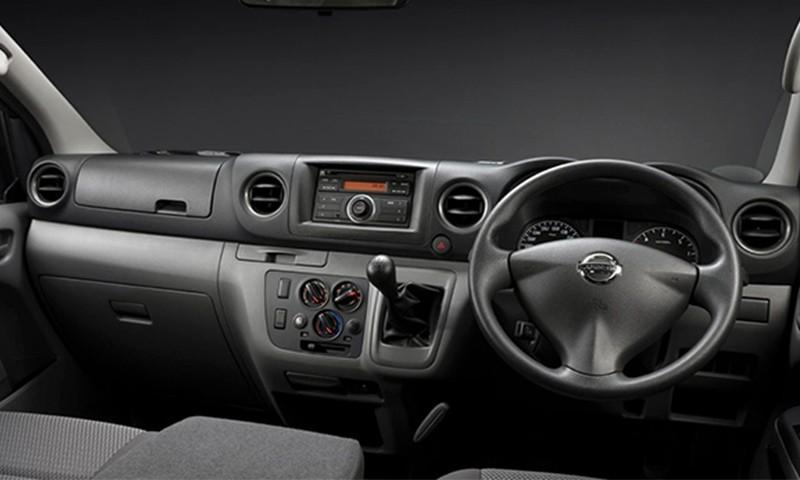 Nissan NV350 2.5 Manual