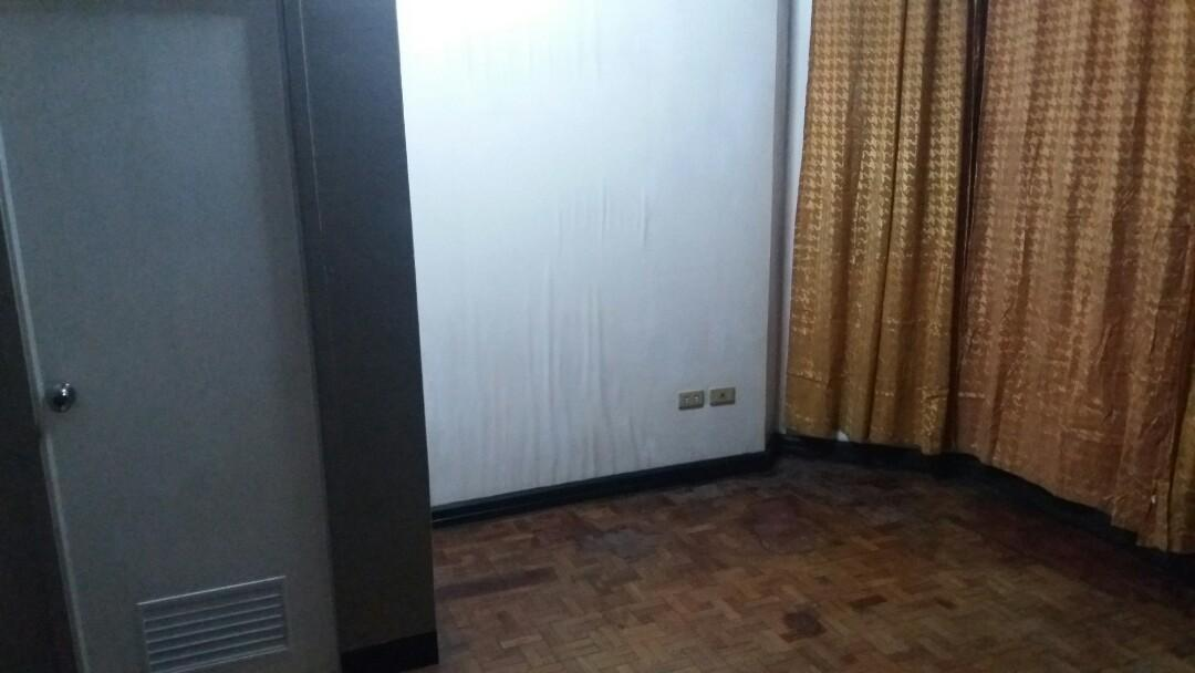 Room for rent ( panay avenue, Quezon city. )