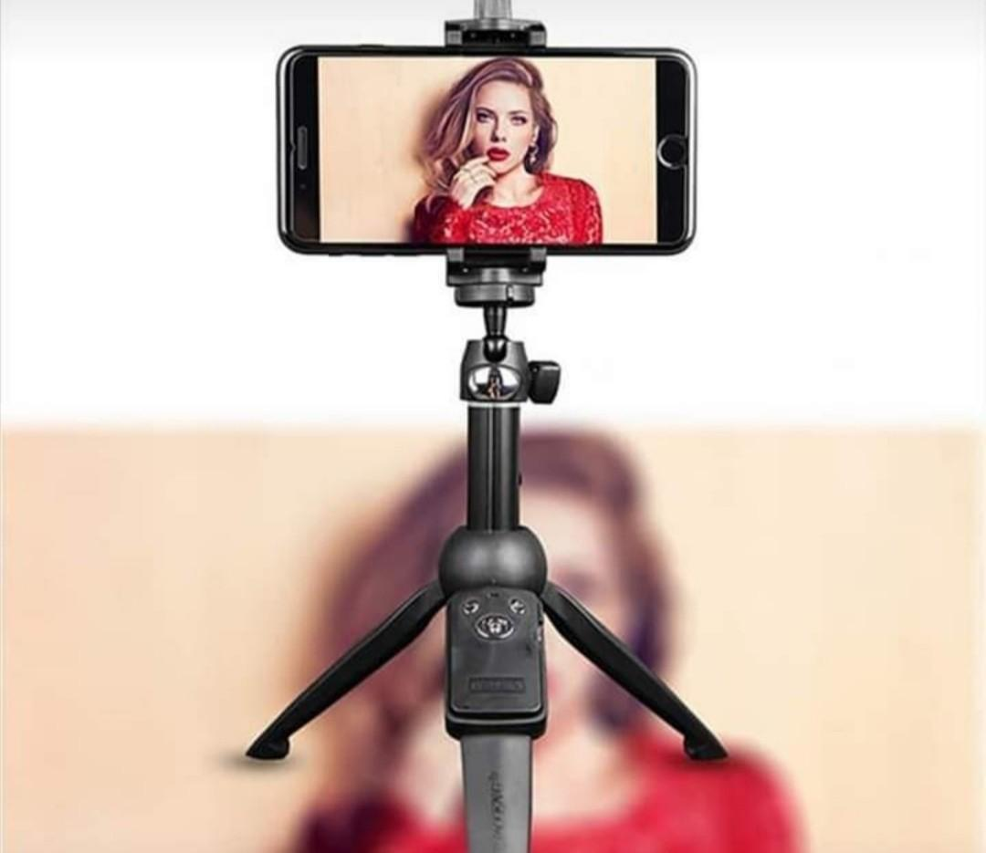 Selfie stick Bluetooth wireless remote shutter with tripod