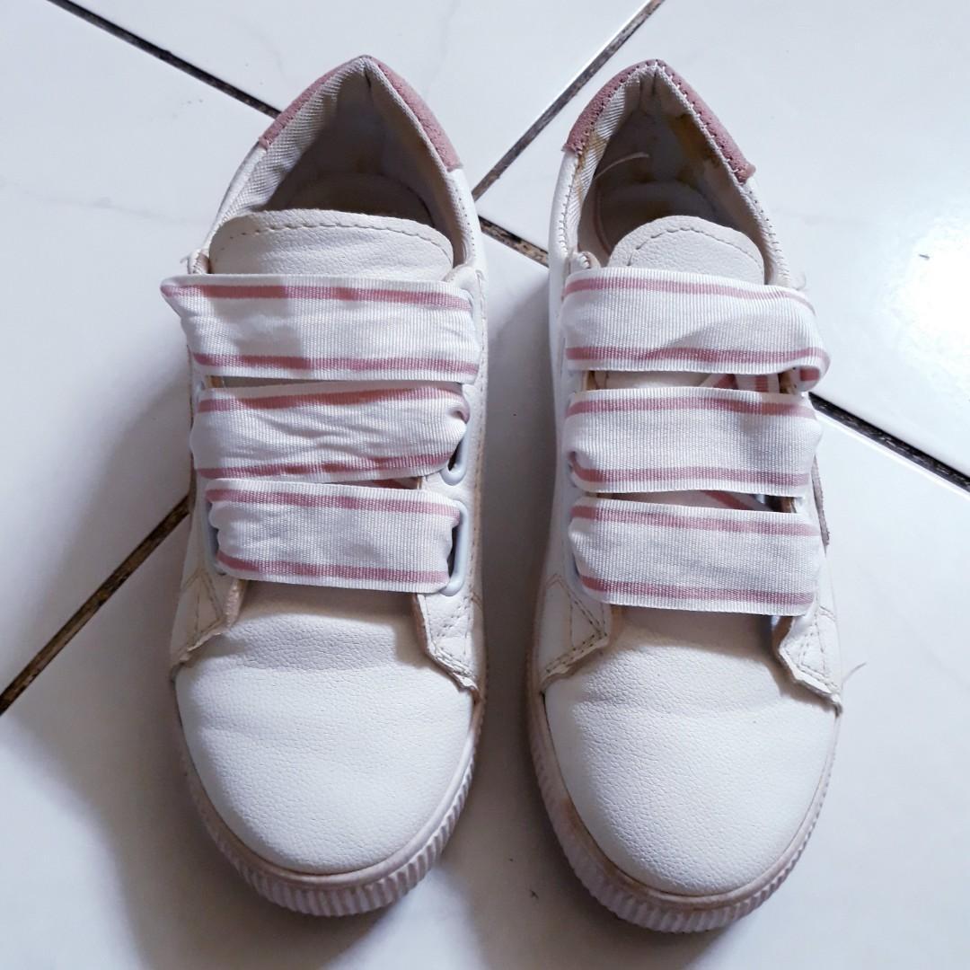 #1111special Sepatu Putih