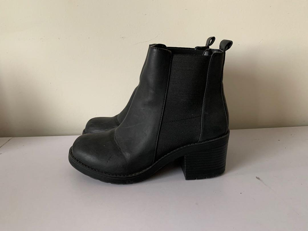 ZU Chunky Ankle Boot