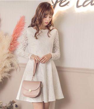 全新 轉賣 YOCO 古典美人唯美全身蕾絲修身洋裝 蕾絲洋裝 蕾絲 婚禮穿搭 合身修身款 氣質公主風 米白 婚禮洋裝