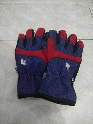 Gloves outdoor