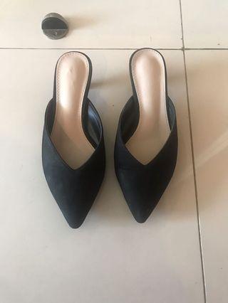 Mules black