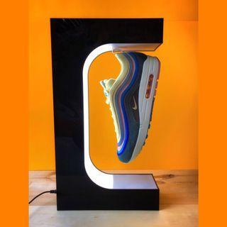 Sneaker levitation