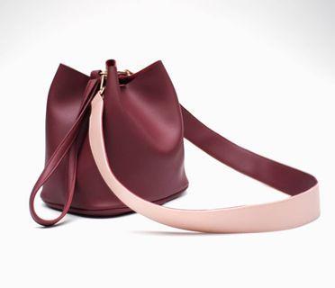 Bucket bag Sling bag