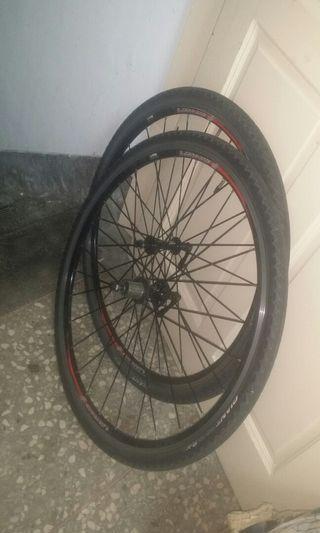 Xero R7 wheelset