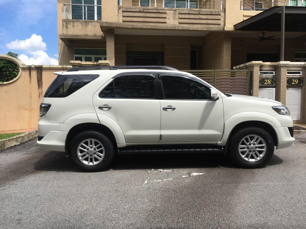 2013 Toyota Fortuner 2.7 V TRD Sportivo top condition