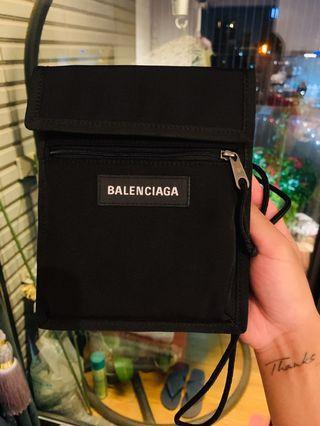 Balenciaga小斜布包(GD爆紅款)「9.9999新」