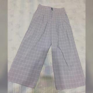 淺灰色雙扣打褶格紋西裝寬褲