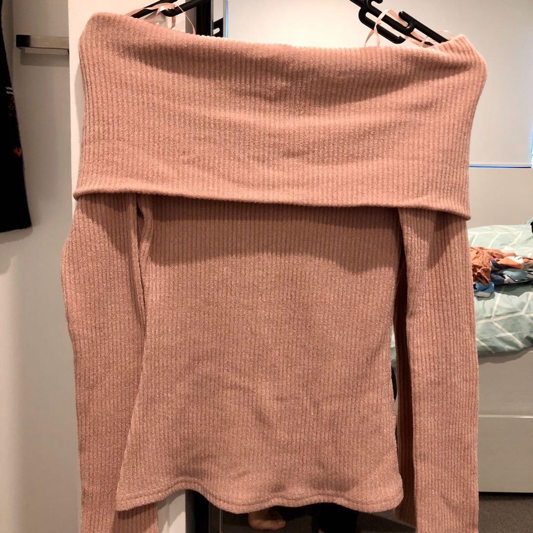 💝 Cozy Off-Shoulder Knitwear