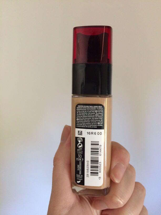 L'Oréal infallible fresh wear foundation -220 sable sand