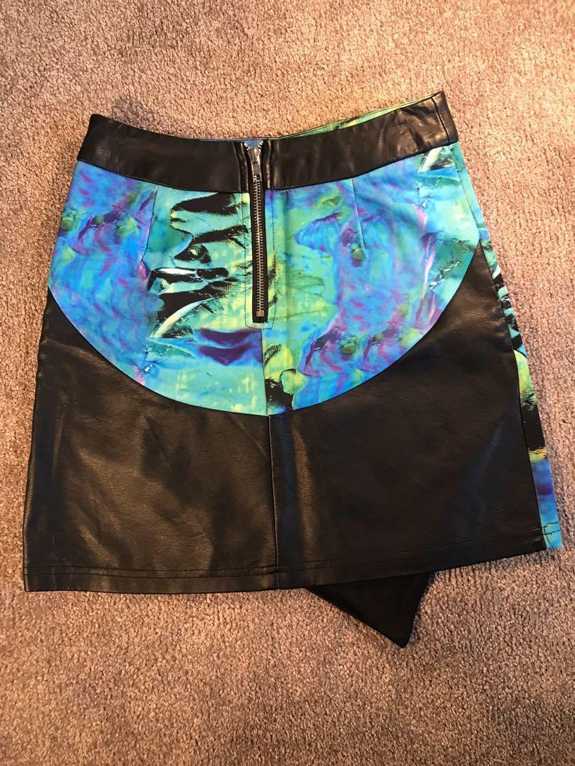 One Way High Waist Asymmetrical Skirt in Blue/Green Size 8