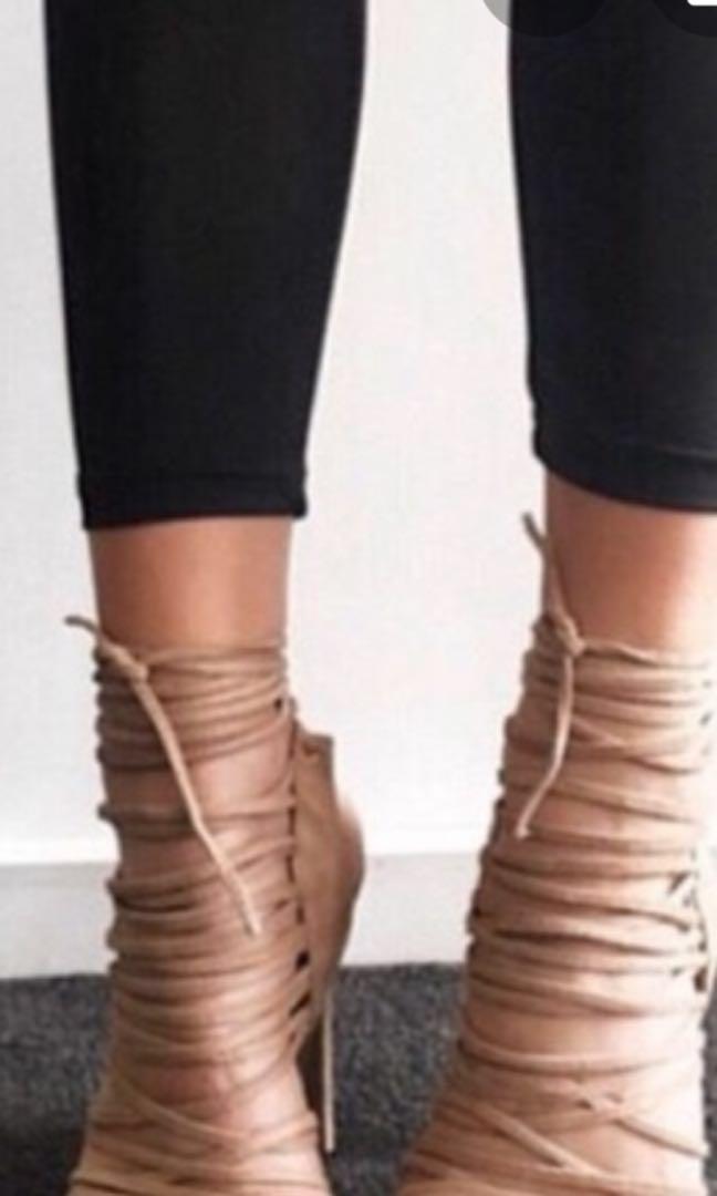 Tony bianco heels size 7.5 nude