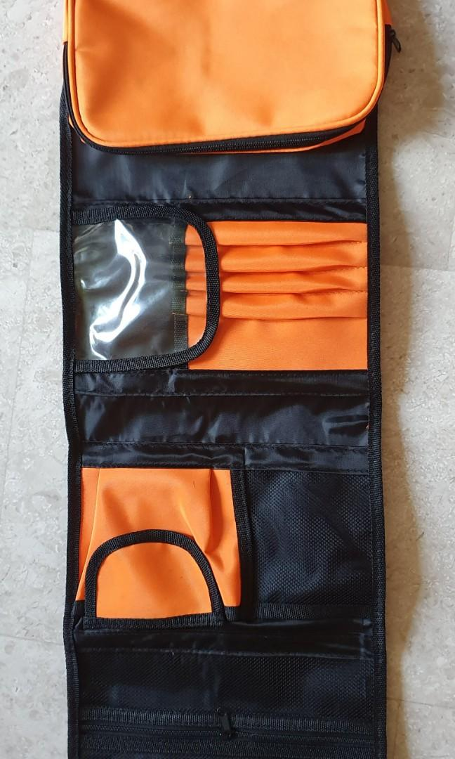 Travel essentials organiser