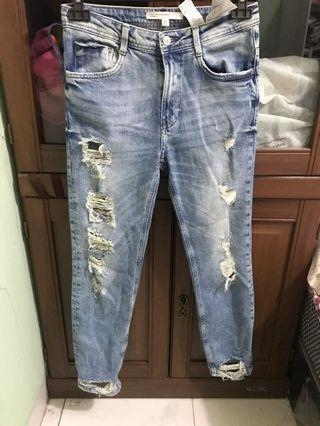 Zara Womens Distressed Ripped Boyfriend Jeans  LIKE NEW