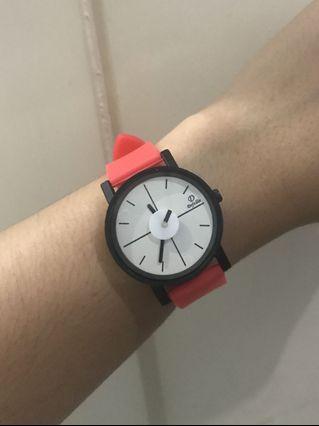 Jam tangan merah