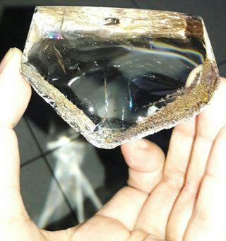 天然水晶景石擺件,重372公克,淨重235公克,清透激光放光料,天然水晶景石擺飾