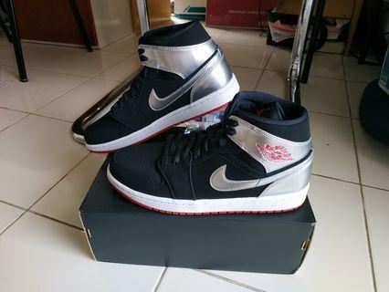BNIB Air Jordan 1 Mid Johnny Kilroy Nike Sepatu Aj1 Aj 1