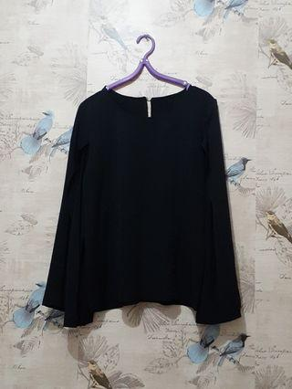 #1111special. Blouse hitam