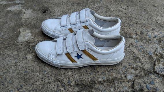 Converse jack star and bars lawas size 43.