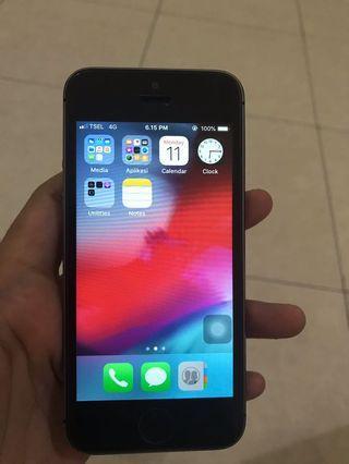 iphone 5s 64 gb warna black grey mulus lengkap