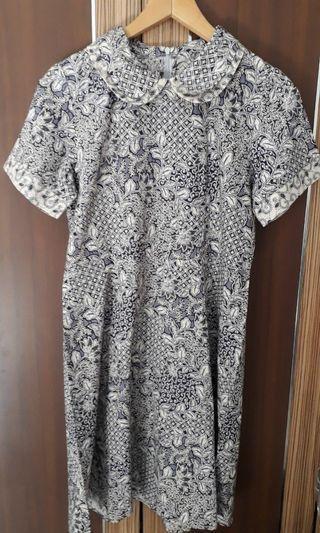 Batik keris grey dress