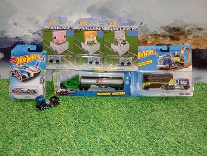 #1111 HotWheels Caged Cargo truck and set of 3 Minecraft carts , Maisto trailer