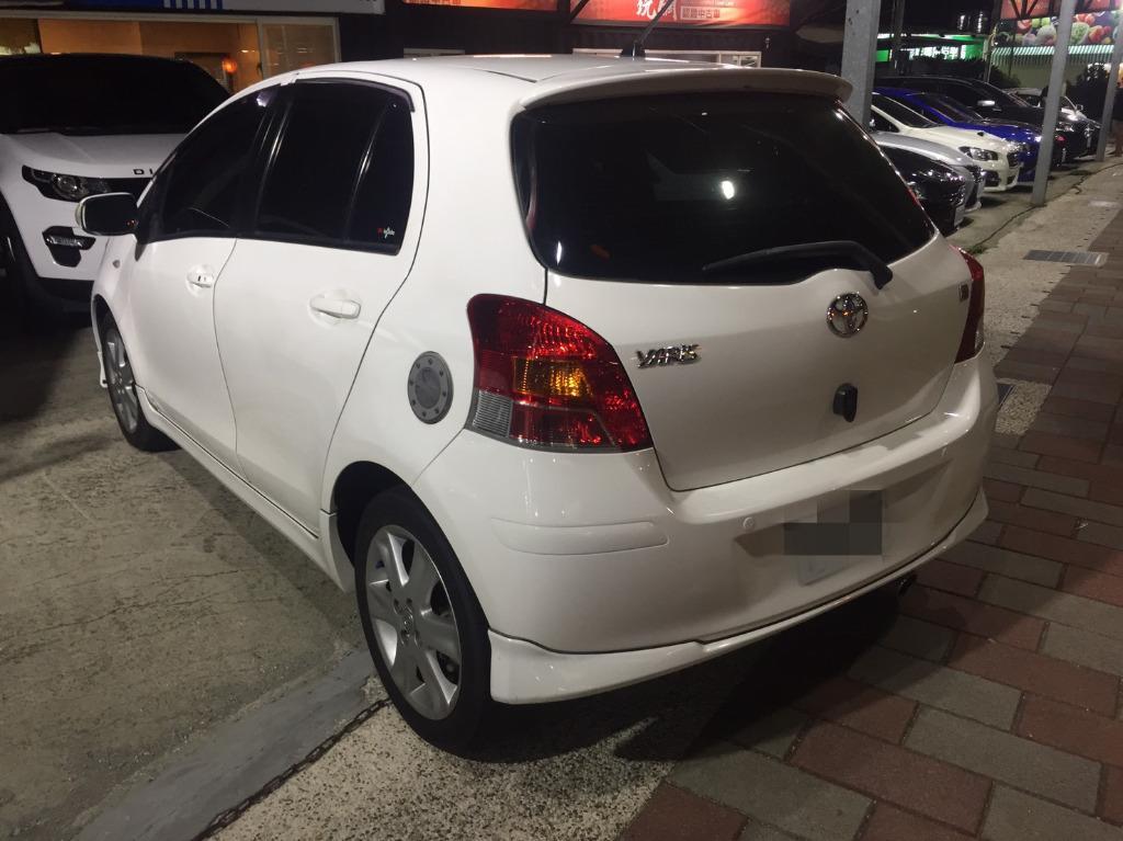 2011 豐田 YARIS