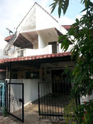 Double Storey Taman Sri Gombak untuk di jual murah