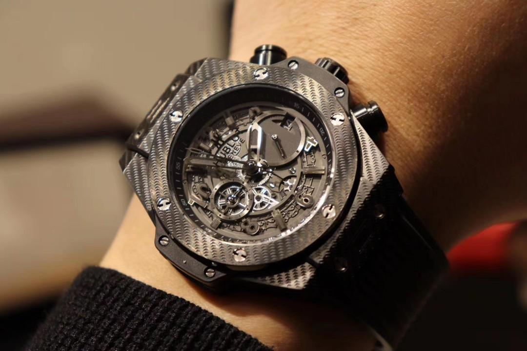 🇧🇧 HUBLOT Table This is the high-level show between Hengbao wrists! Hengbao once again cross-border trend high-end! Stars interpretation, grand listing, both cutting-edge trends and innovative technology of the fusion of power