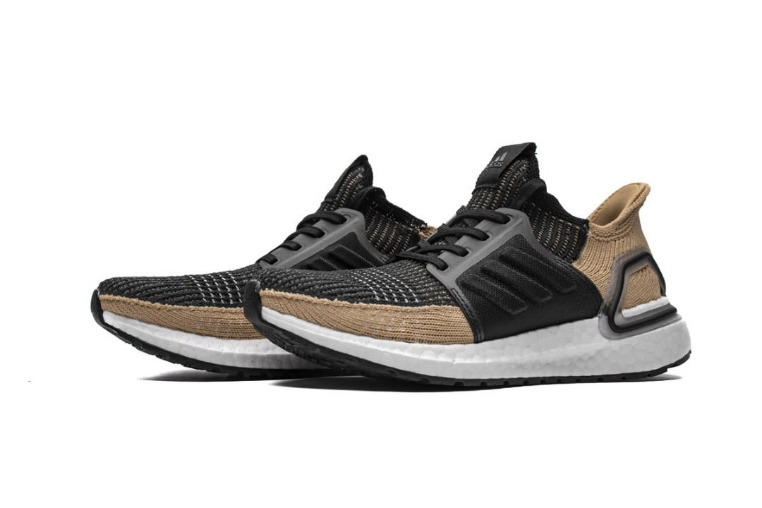 Adidas Ultra Boost Core Black / Raw Sand