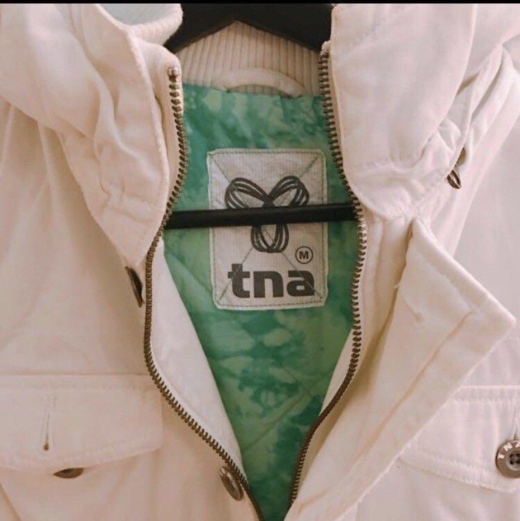 Aritzia TNA White Canvas Zip Up Jacket (Warm)